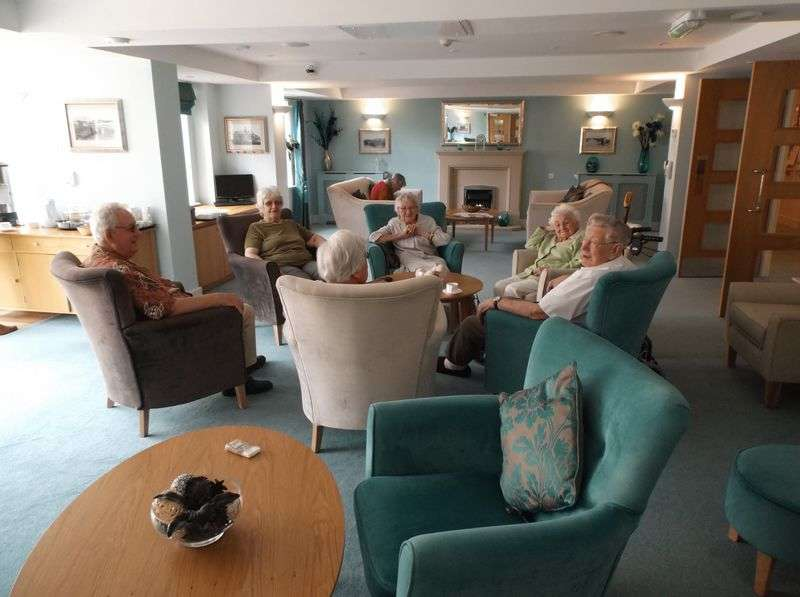 1 Bedroom Flat for sale in Claridge House, Littlehampton, West Sussex: One bed first floor Assisted Living retirement apartment