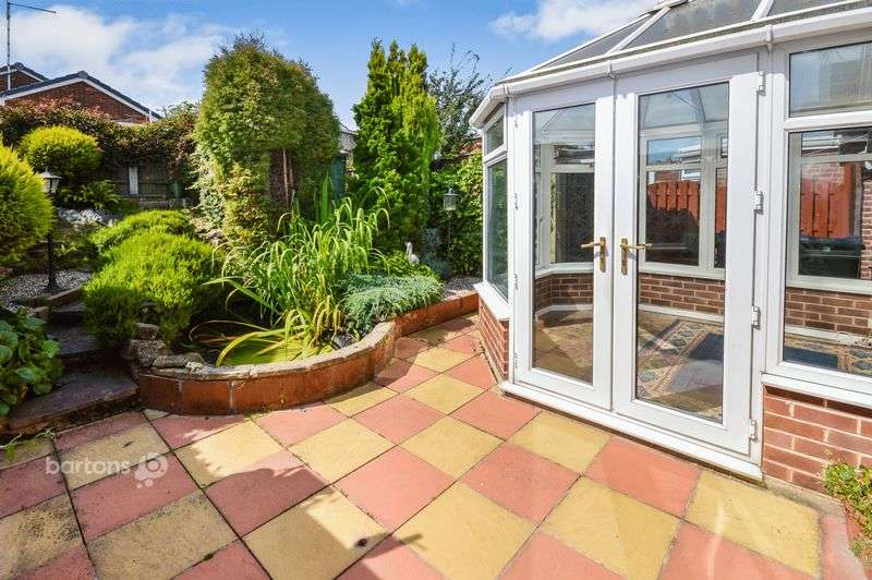 2 Bedrooms Detached Bungalow for sale in Coltishall Avenue, Bramley, Rotherham