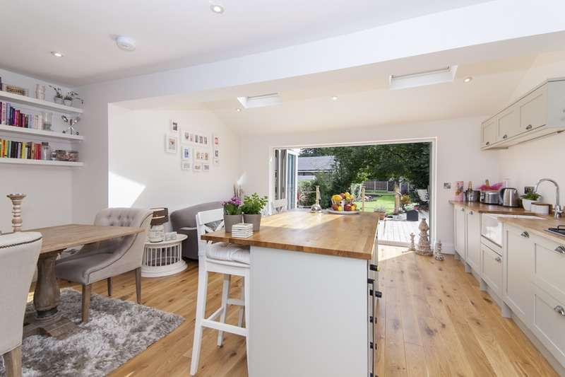 4 Bedrooms Semi Detached House for sale in Glenwood Grove, Woodsmoor, Stockport,, Cheshire, SK2