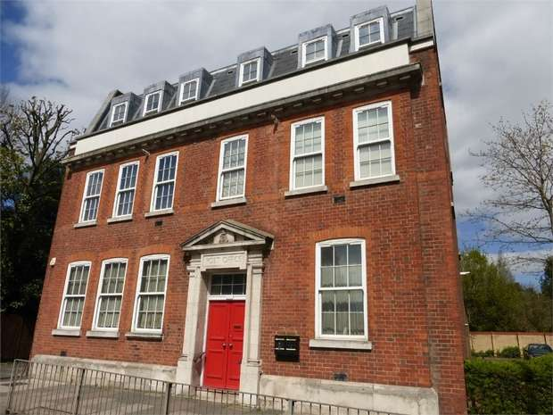 1 Bedroom Flat for sale in Atlas House, 466 London Road, Isleworth, Middlesex