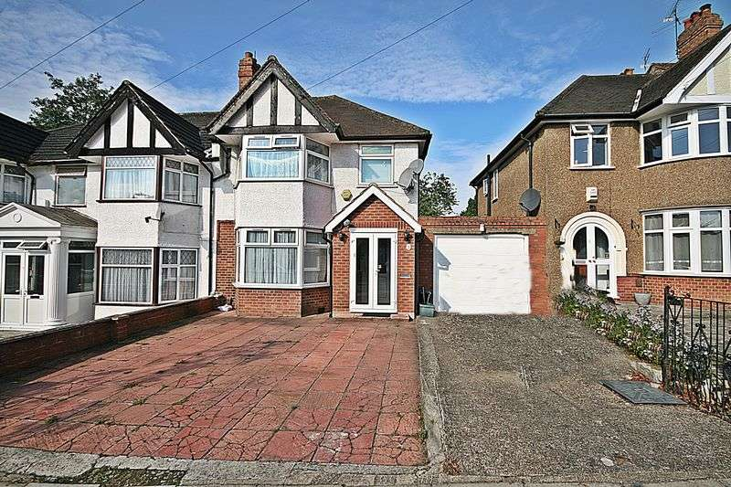 3 Bedrooms Semi Detached House for sale in Ridding Lane, Greenford