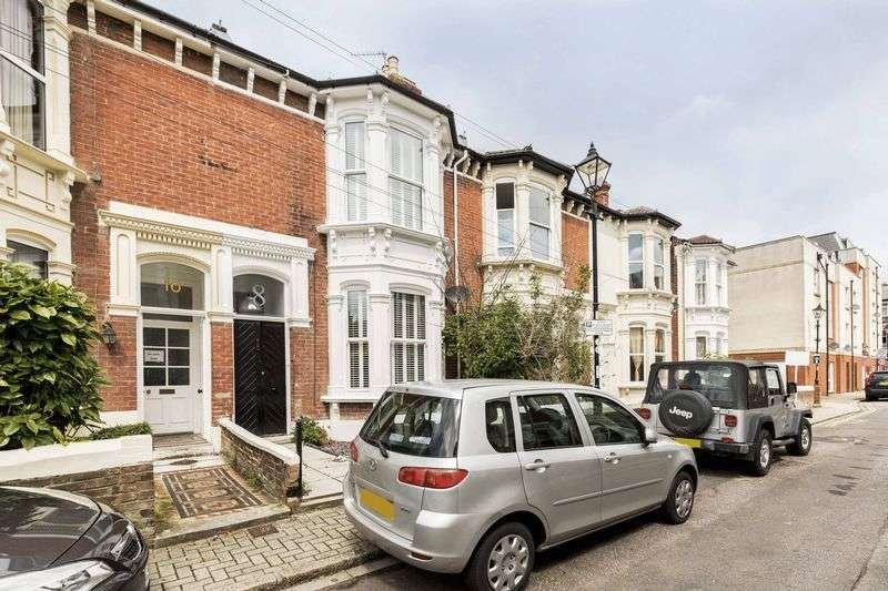 5 Bedrooms Terraced House for sale in Pelham Road, Southsea
