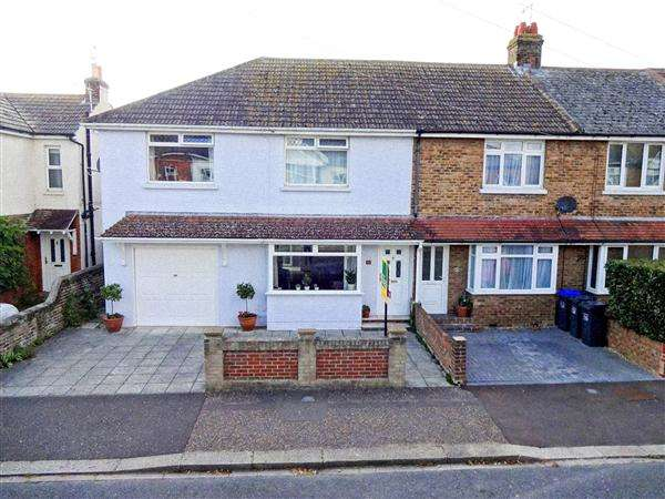 3 Bedrooms Semi Detached House for sale in St Elmo Road