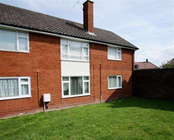 2 Bedrooms Flat for sale in Parklands View, Little Sutton