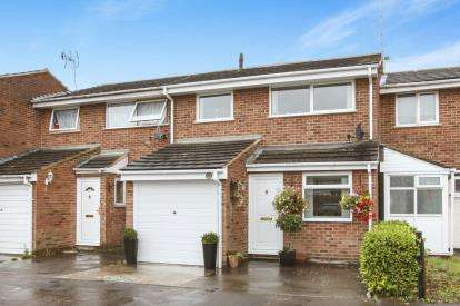 3 Bedrooms Terraced House for sale in Springfield, Chelmsford, Essex