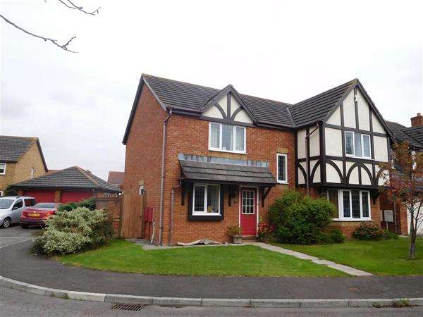 4 Bedrooms Detached House for sale in Martin Close, Rogiet