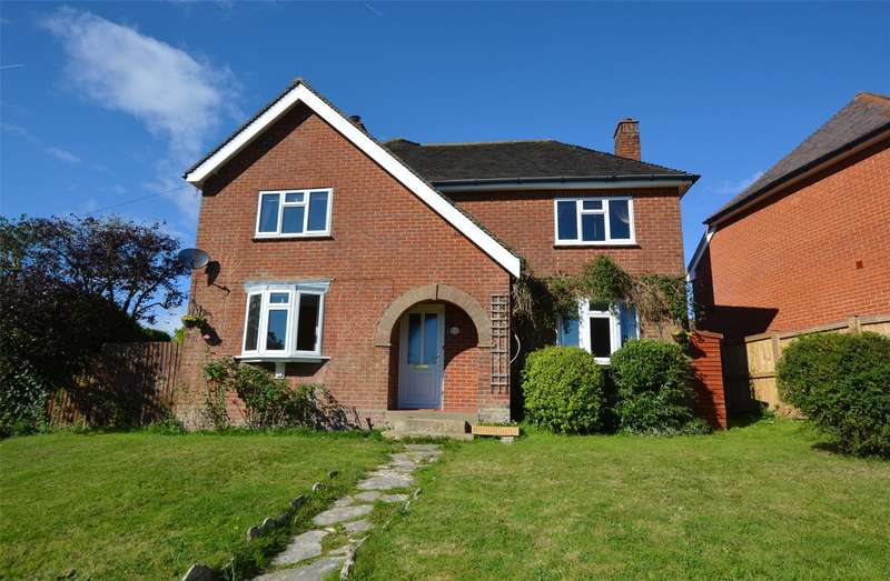 3 Bedrooms Detached House for sale in Southern Road, Lymington, Hampshire, SO41