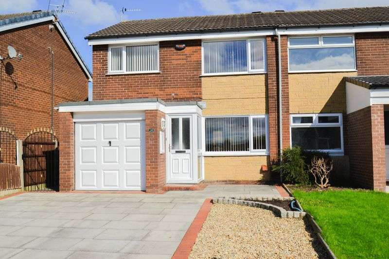 3 Bedrooms Semi Detached House for sale in Central Drive, Preston