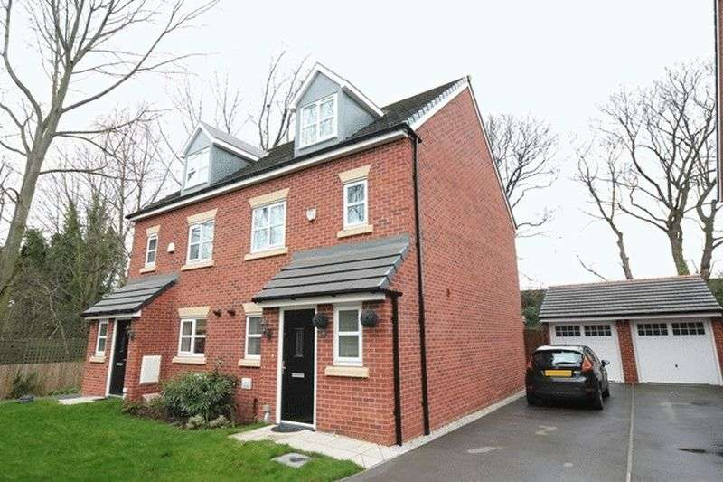 4 Bedrooms Semi Detached House for sale in Earle Avenue, Huyton, Liverpool, L36