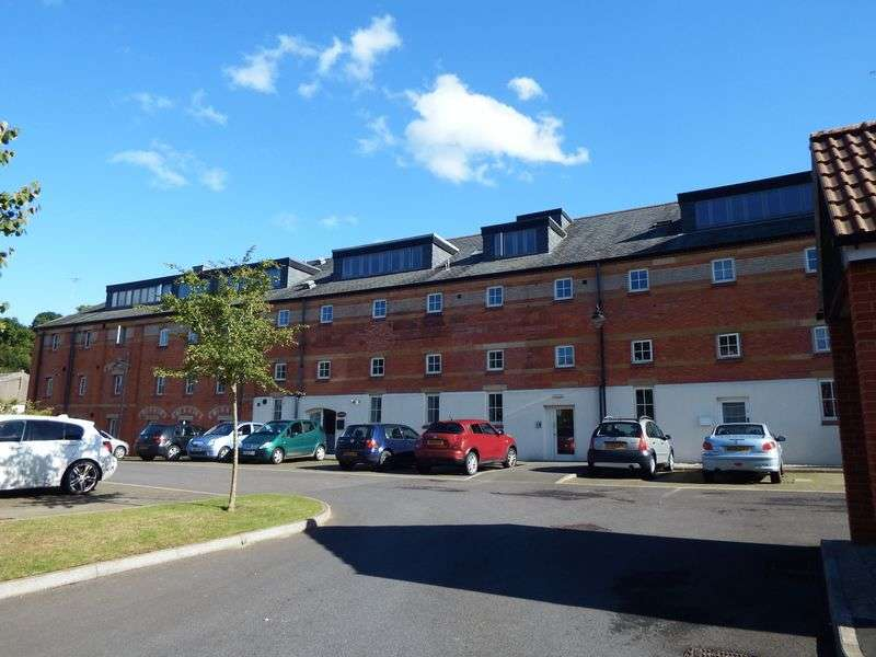 2 Bedrooms Flat for sale in OLD MILL LANE, CREWKERNE