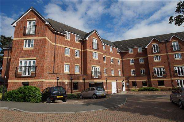 2 Bedrooms Apartment Flat for sale in Eaton Avenue, Nr Burnham, Slough