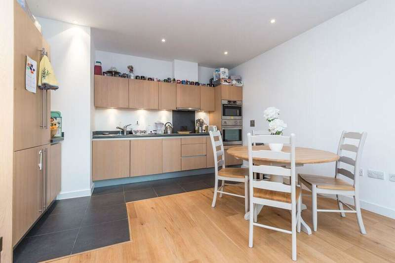 2 Bedrooms Flat for sale in Bromyard Avenue, Acton, London, W3 7BY
