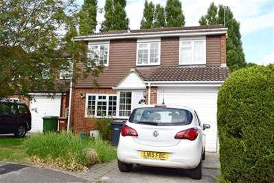 4 Bedrooms Detached House for sale in Silver Close, Harrow Weald