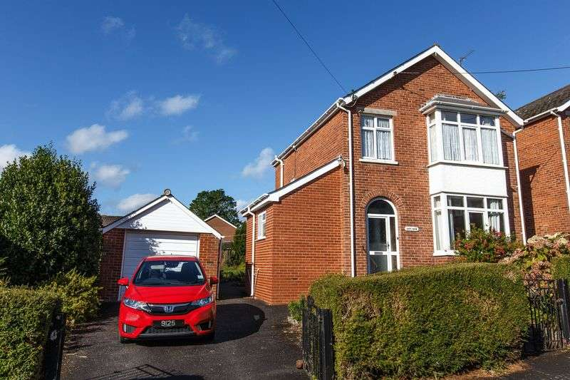 3 Bedrooms Detached House for sale in Buller Road, Crediton