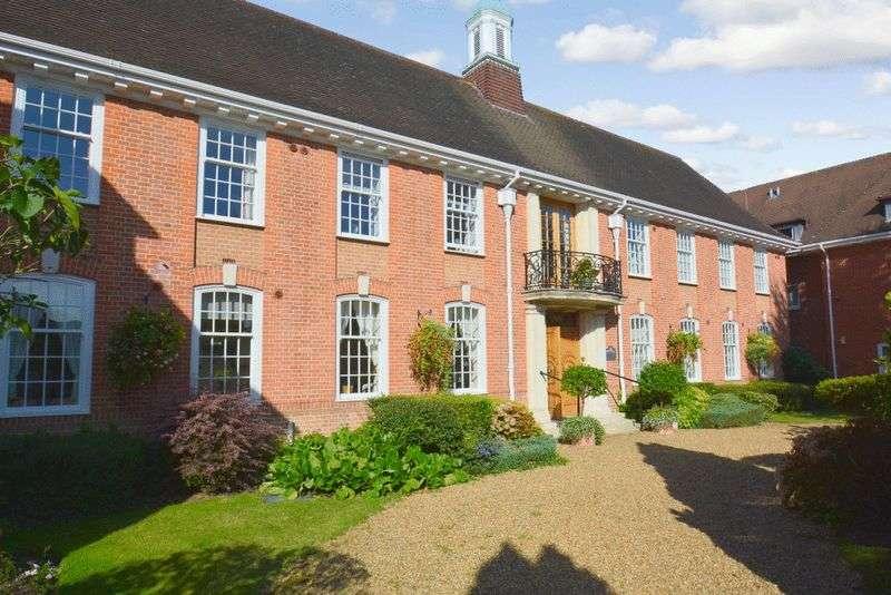 1 Bedroom Retirement Property for sale in Belvedere Court, Hoddesdon, EN11 8UX