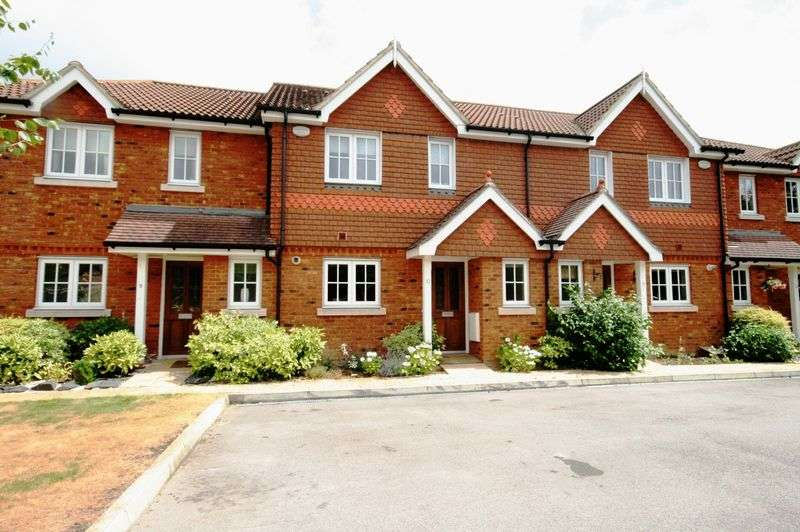 3 Bedrooms Terraced House for sale in Silverstone Mews, Maidenhead