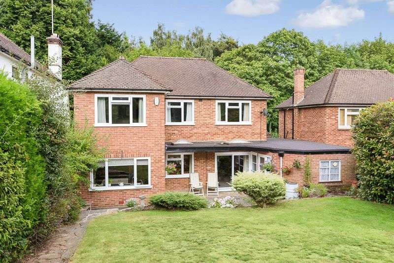 3 Bedrooms Detached House for sale in Holly Lane West, Banstead