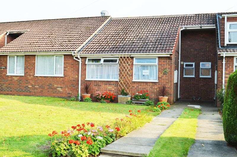 2 Bedrooms Bungalow for sale in Spruce Lane, Ulceby