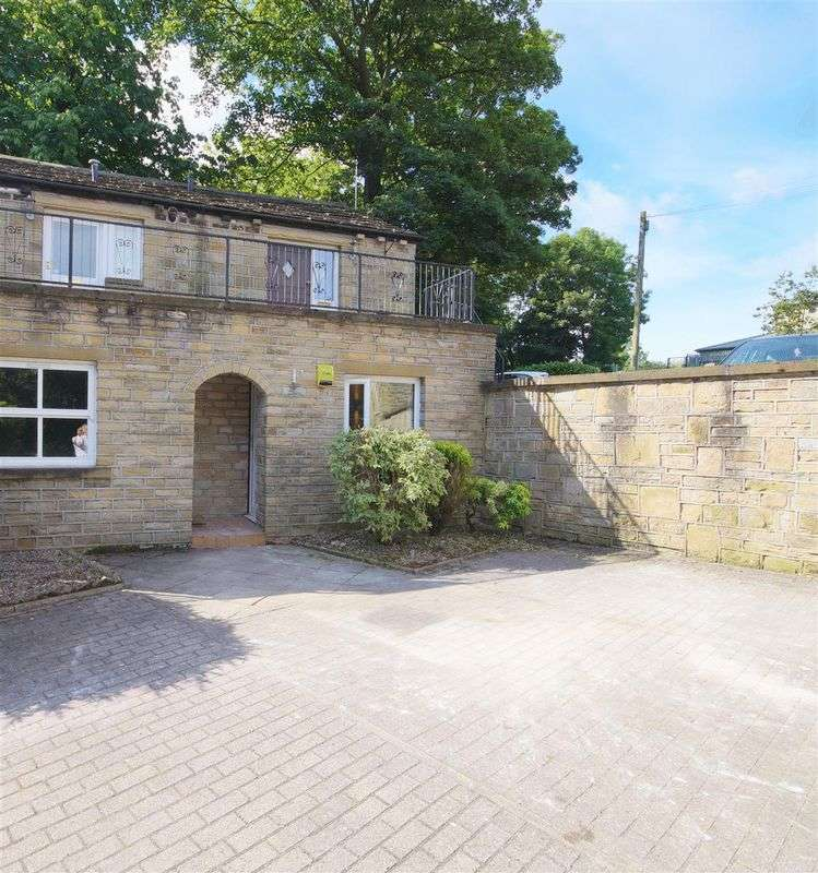 1 Bedroom Flat for sale in St Philips Court, Huddersfield