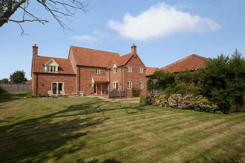 4 Bedrooms Detached House for sale in East Bilney, Norfolk