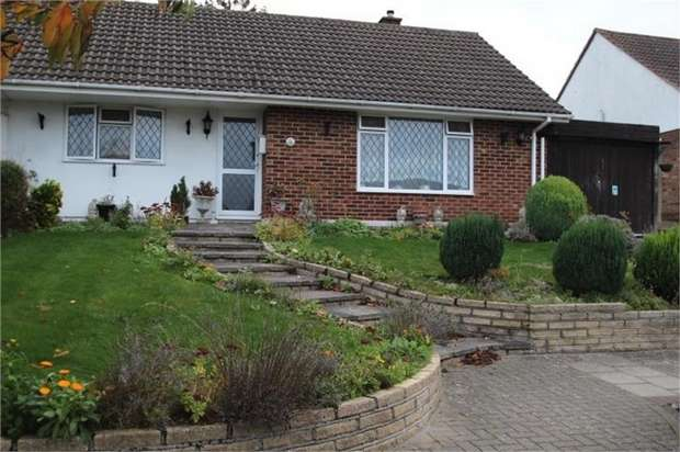 2 Bedrooms Semi Detached Bungalow for sale in Glentrammon Avenue, ORPINGTON, Kent