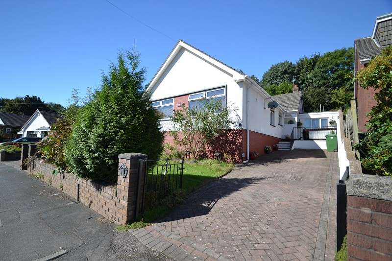 5 Bedrooms Detached House for sale in Four Acre Caer Wenallt , Pantmawr, Cardiff. CF14 7HQ