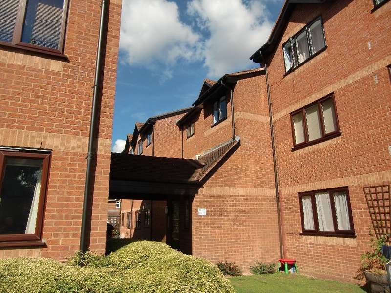 1 Bedroom Property for sale in Courtlands Close, Watford, Herts, WD24