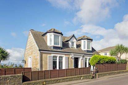 3 Bedrooms Detached House for sale in Ardrossan Road, Seamill