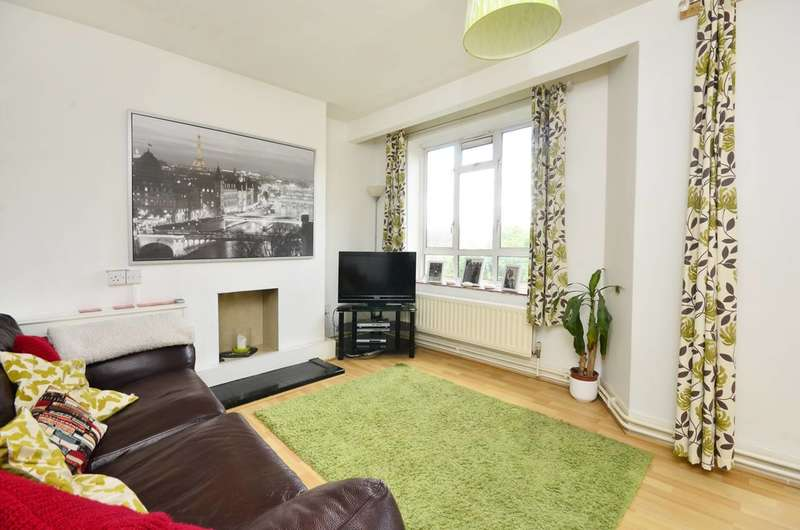 3 Bedrooms Flat for sale in Aubyn Square, Roehampton, SW15