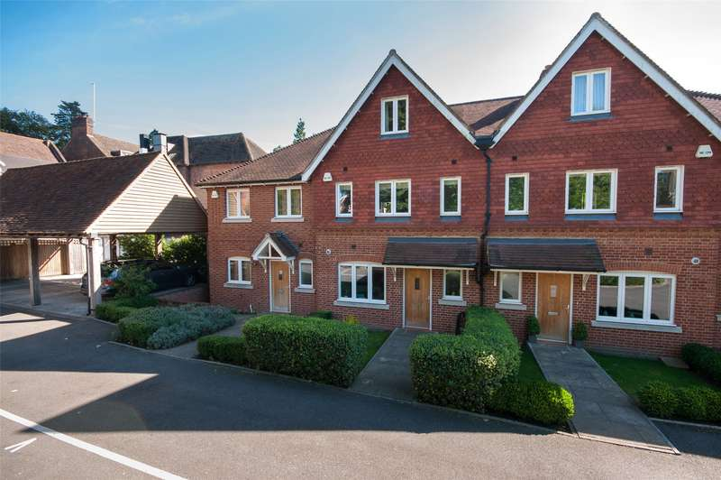 4 Bedrooms Terraced House for sale in Pilgrim Mews, Reigate, RH2