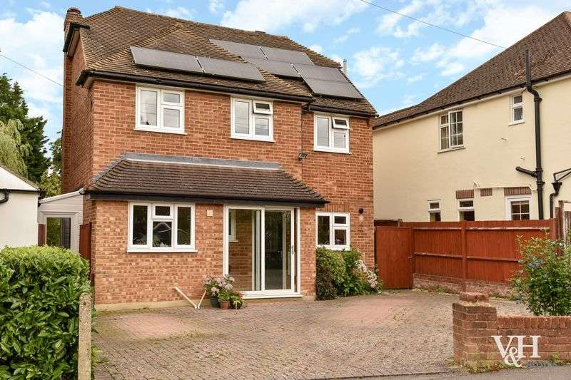 4 Bedrooms Detached House for sale in Hillside Road, Ashtead