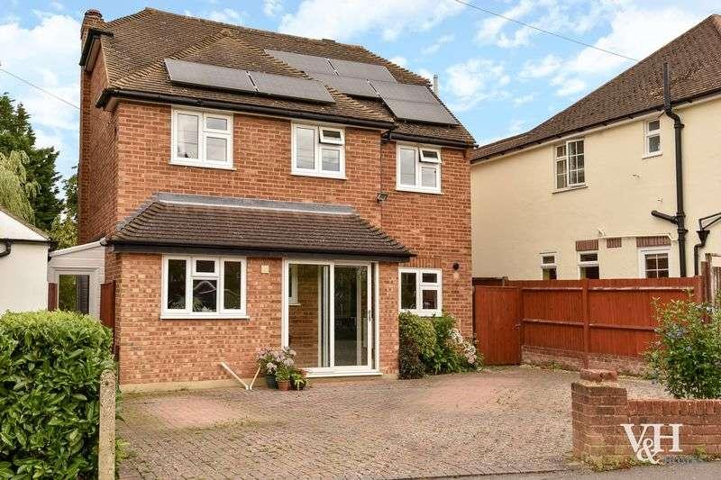 4 Bedrooms Detached House for sale in Hillside Road, Ashtead
