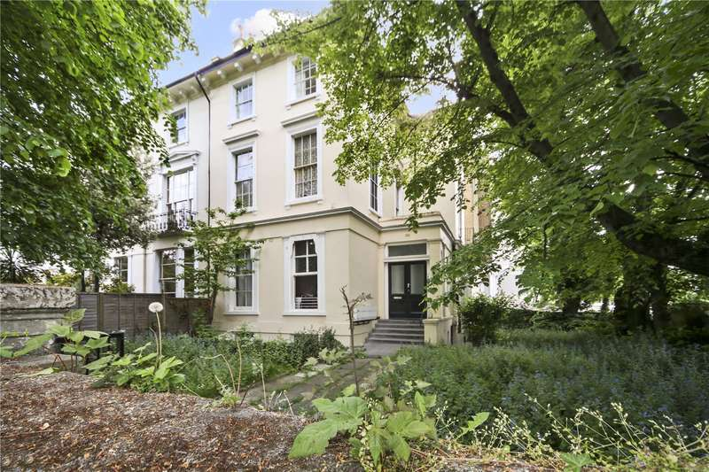 2 Bedrooms Flat for sale in St Marks Square, London, NW1