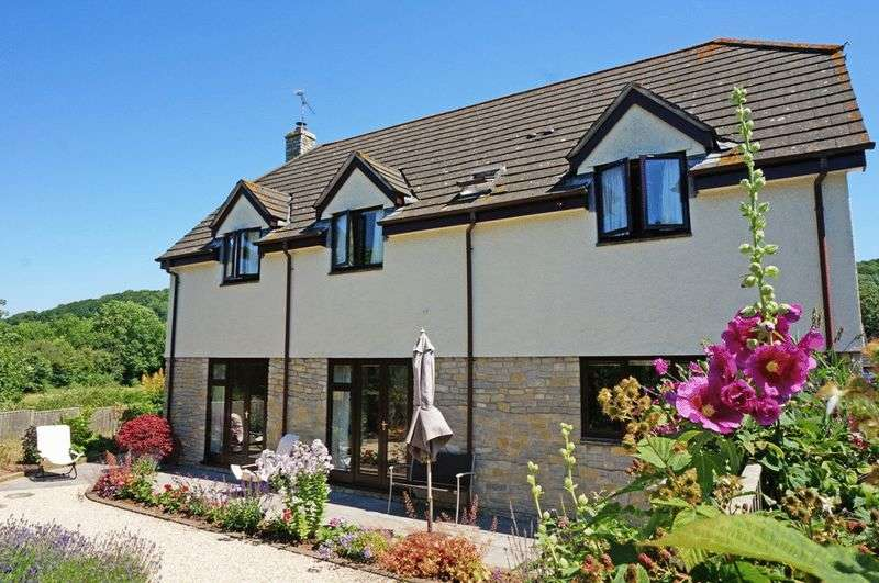 4 Bedrooms Detached House for sale in Winters Orchard, Stoke St Mary