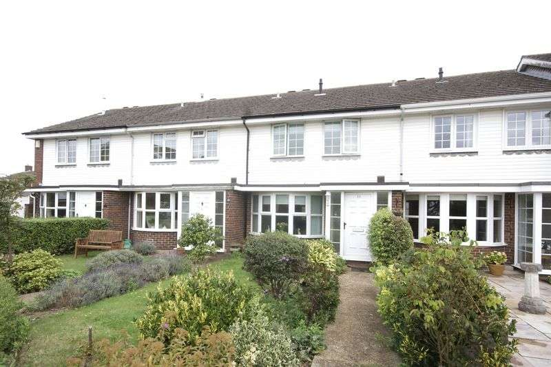 3 Bedrooms Terraced House for sale in Avenue Court, Alverstoke, Gosport