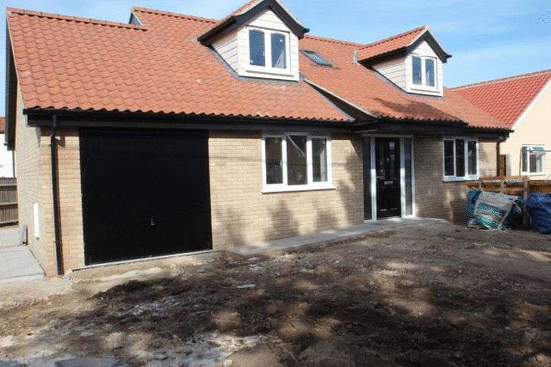 4 Bedrooms Property for sale in Hemblington, NR13