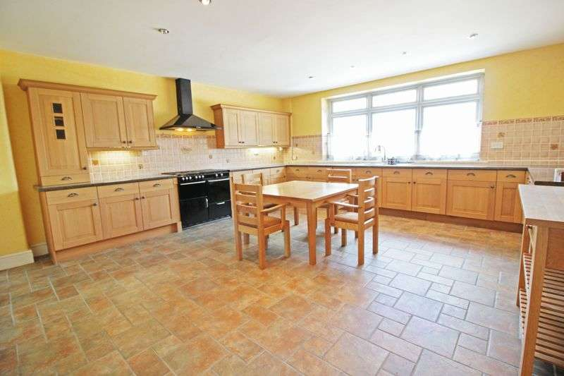 5 Bedrooms Semi Detached House for sale in High Street, Gringley-on-the-Hill
