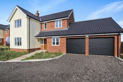 4 Bedrooms Detached House for sale in Wreningham, Norwich