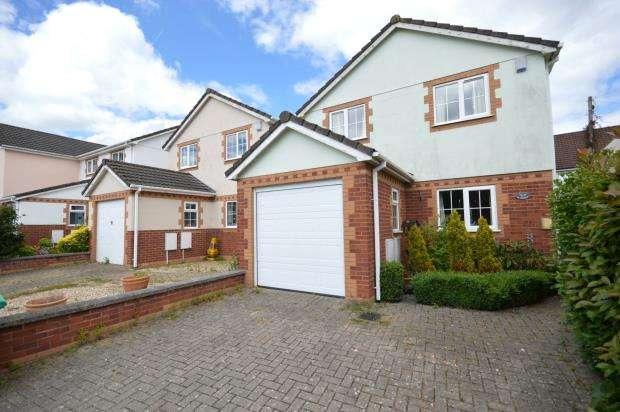 4 Bedrooms Detached House for sale in Avenue Road, Bovey Tracey, Newton Abbot, Devon