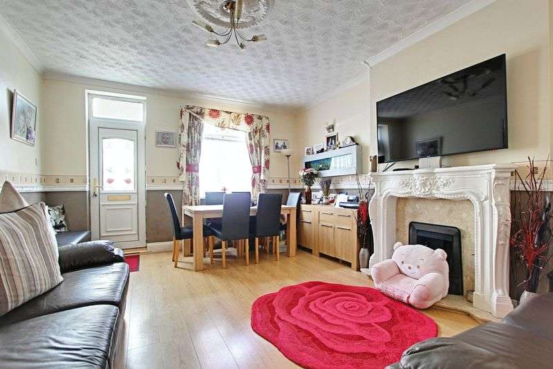 3 Bedrooms Terraced House for sale in De La Pole Avenue, Hull