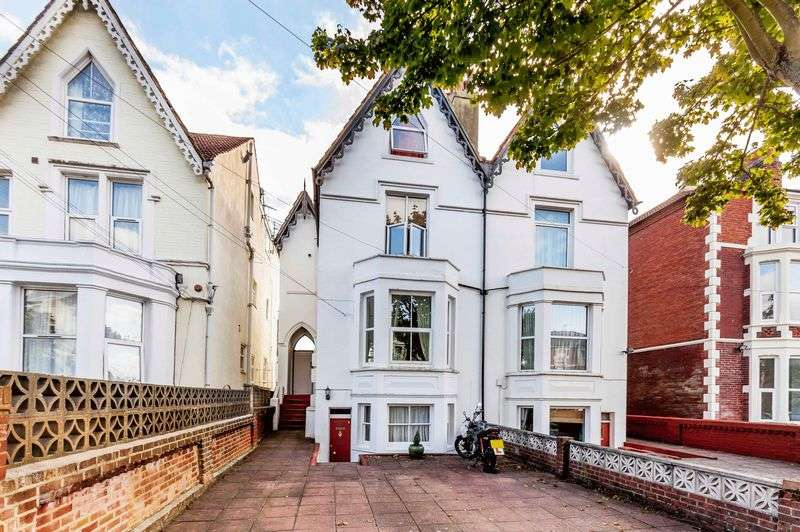 2 Bedrooms Flat for sale in Campbell Road, Southsea