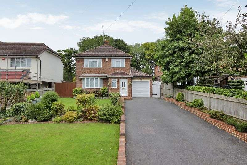 3 Bedrooms Detached House for sale in Borers Arms Road, Copthorne, West Sussex