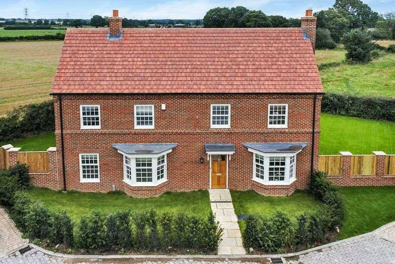 4 Bedrooms Detached House for sale in Plot 9, Oxenby Place, Easingwold, York, YO61