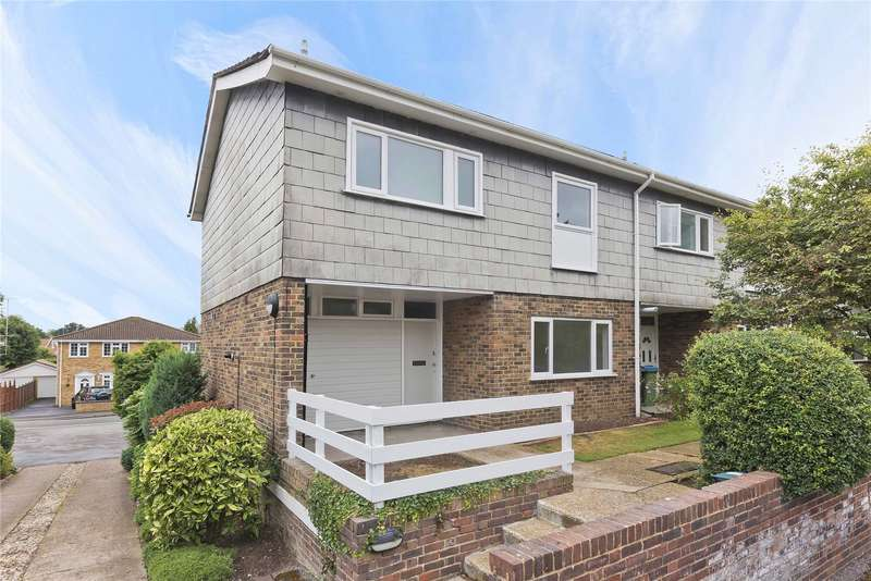 3 Bedrooms Mews House for sale in Angas Court, Pine Grove, Weybridge, Surrey, KT13