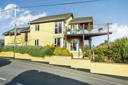4 Bedrooms Detached House for sale in Druid Road, Menai Bridge, Sir Ynys Mon, Anglesey, LL59