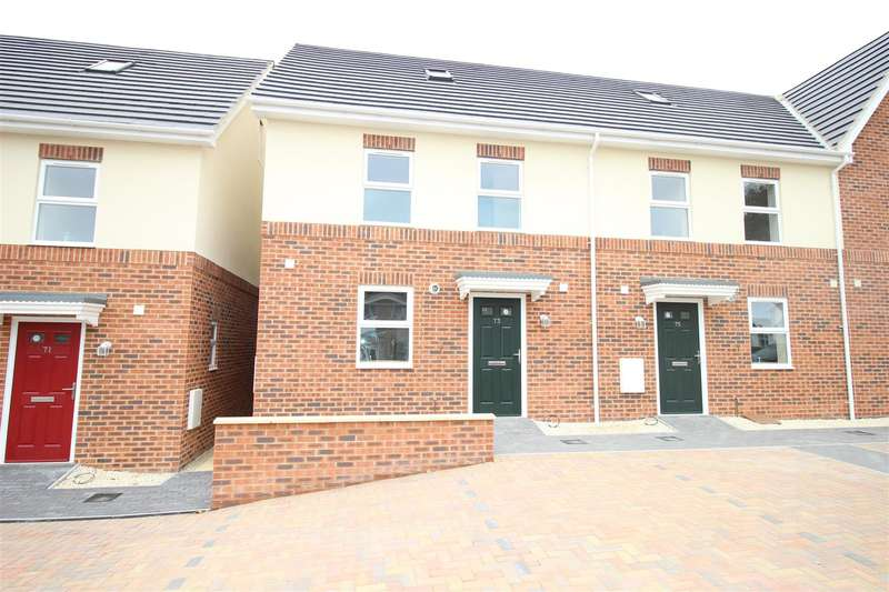 3 Bedrooms Property for sale in Newburn Crescent, Swindon