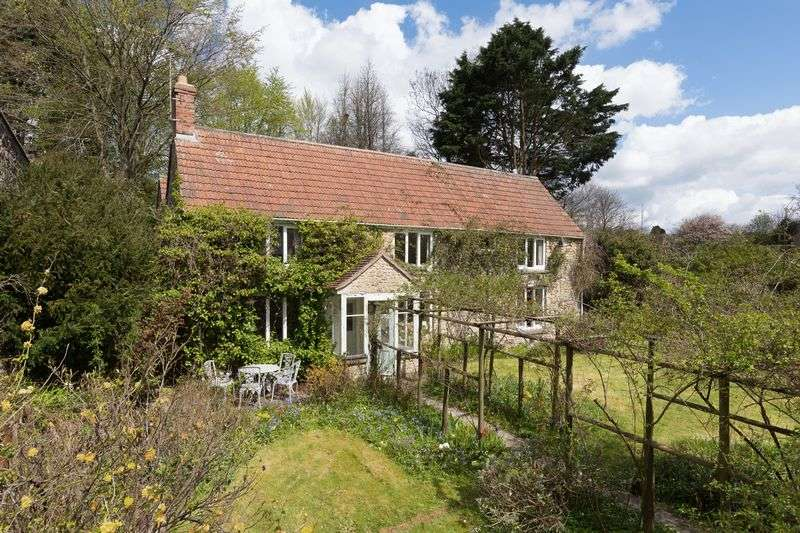 4 Bedrooms Detached House for sale in A hidden gem in the very pretty village of Batcombe, Shepton Mallet