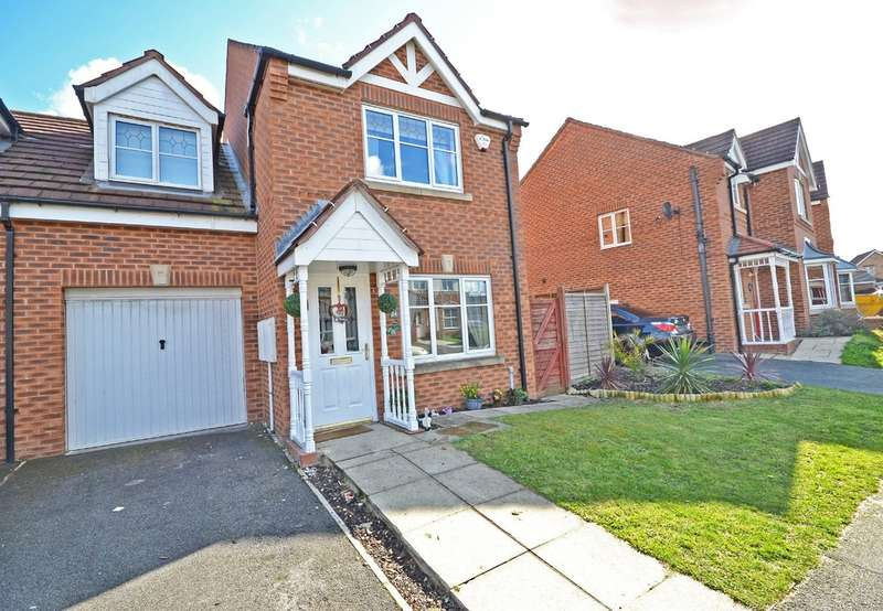 3 Bedrooms Semi Detached House for sale in Lakeside Park, Normanton