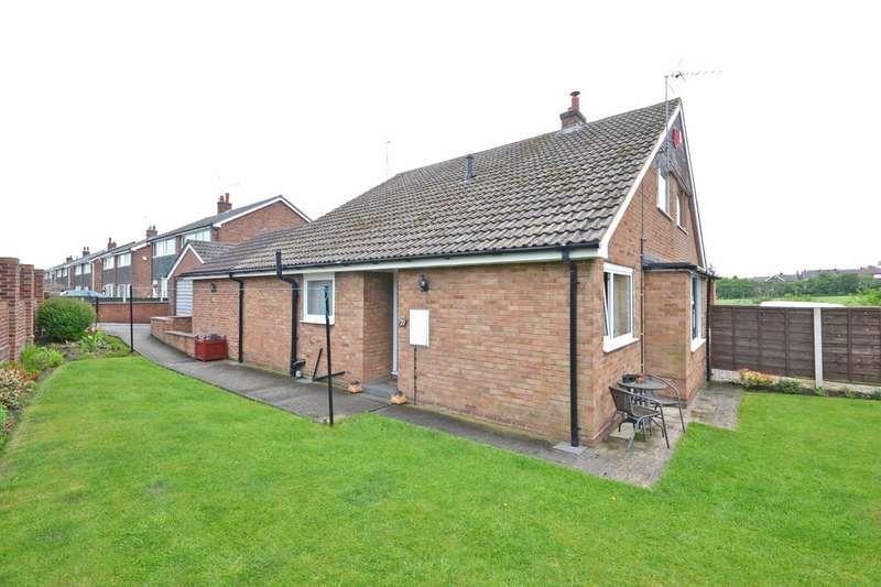 3 Bedrooms Semi Detached Bungalow for sale in Churchfield Croft, Altofts