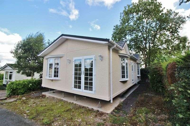 2 Bedrooms Retirement Property for sale in Pendeford Hall Lane Park, Wolverhampton
